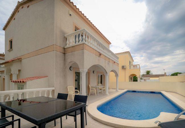 Villa à Empuriabrava - ilv09